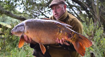 One of our syndicate bailiffs with a cracking mirror.
